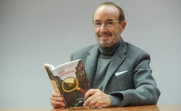 """El Correo: """"El exletrado mayor del Parlamento Vasco presenta su primer libro"""""""